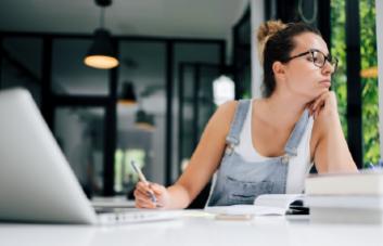 Como a PNL pode te ajudar a vencer a procrastinação?